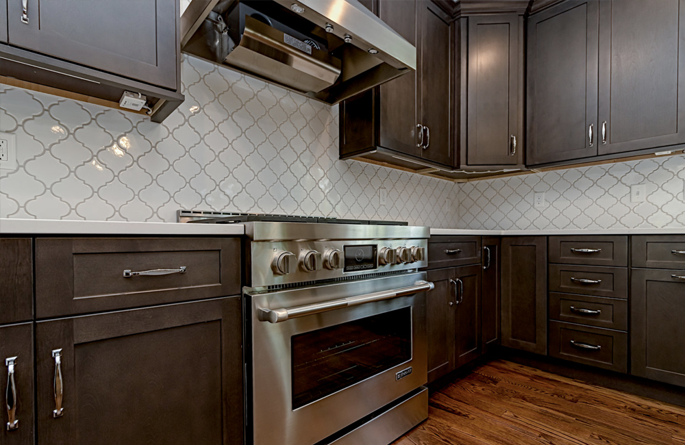 Warren-NJ-Dark-Wood-Kitchen-Cabinets