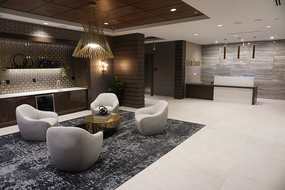 Multi-family-apartment-entrance-lounge-and-concierge-desk